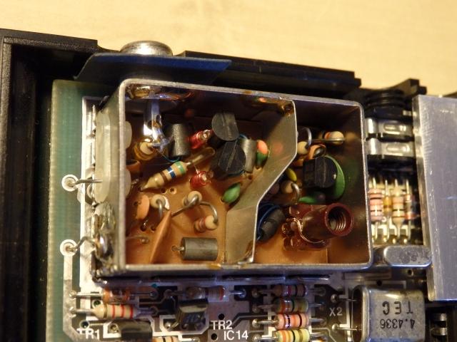 Quitaremos la circuitería RF y montaremos dentro la salida de video compuesto